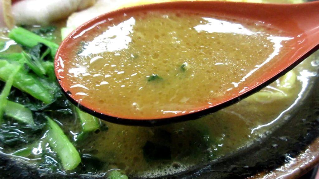 豚骨醤油スープ